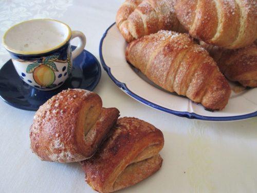 Croissant integrali sfogliati con poolish