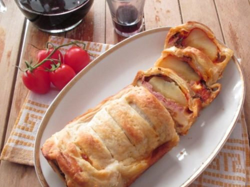Cake salato di pasta sfoglia: ricetta veloce