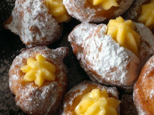 Bignè fritti di Carnevale con crema pasticcera
