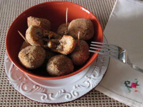 Polpette vegetariane di pane con funghi