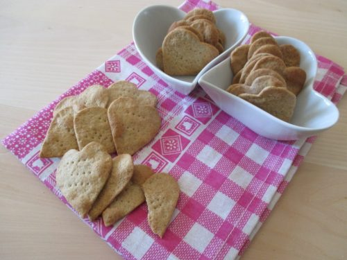 Crackers sfogliati cuoriciosi per San Valentino