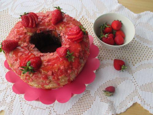 Chiffon cake alle fragole, ricetta con foto