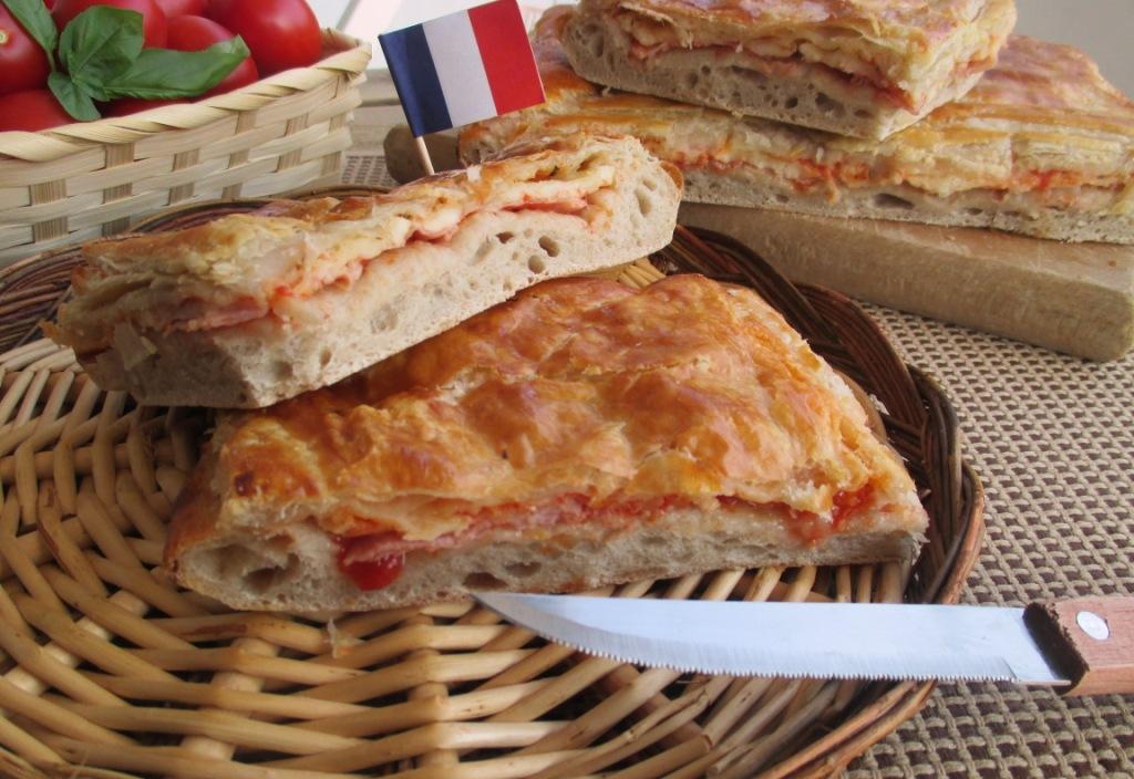 Pizza parigina una pizza rustica tipica napoletana dal for Cucinare per 80 persone
