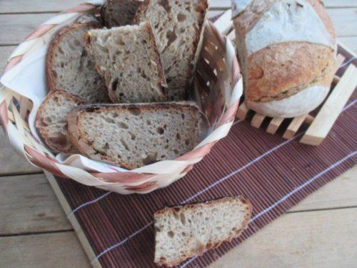 Pane con farina integrale di grano Solina e pasta madre