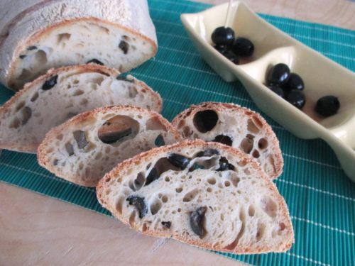 Pane alle olive e lievito naturale (li.co.li.), ricetta con foto
