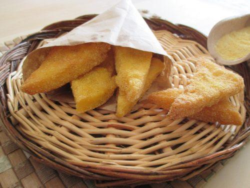 Scagliuozzi napoletani, triangoli di polenta fritta