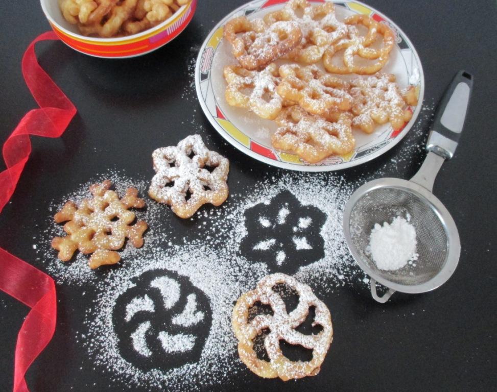 Frittelle dolci con stampini di ferro