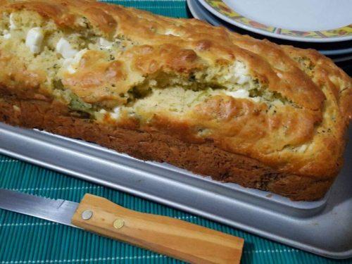 Plumcake salato con broccoli e feta, ricetta facile