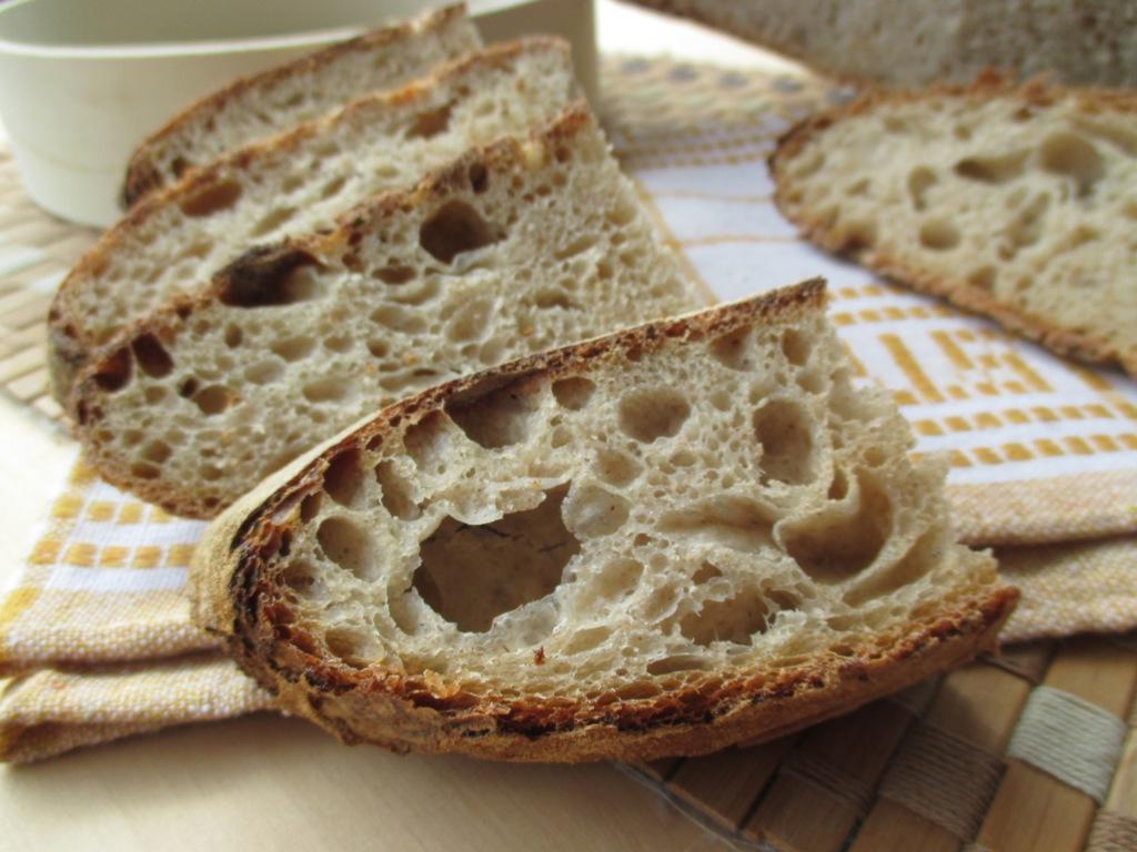 Pane Con Esubero Di Pasta Madre E Lievitazione In Giornata Dal