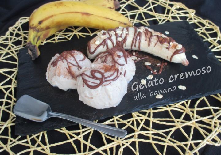 Gelato cremoso alla banana