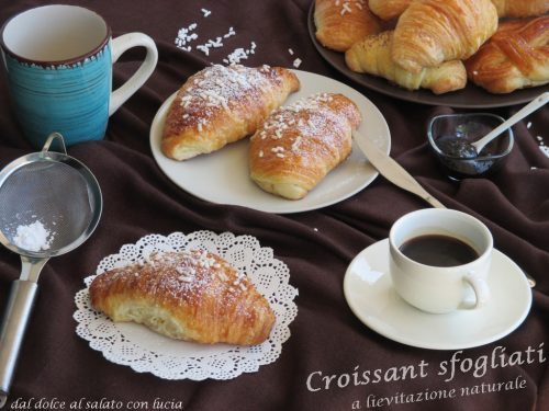 Croissant sfogliati a lievitazione naturale