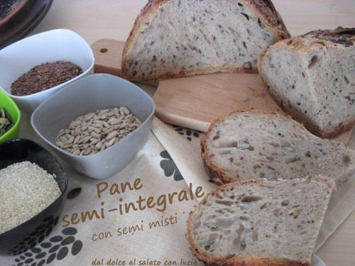 Pane semi-integrale con semi misti, a lievitazione naturale