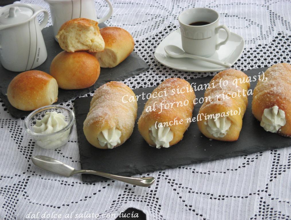 Cartocci siciliani (o quasi) al forno con ricotta (anche nell'impasto!)