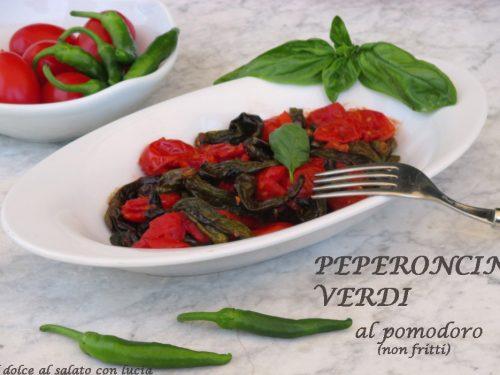 Peperoncini verdi al forno con pomodorini