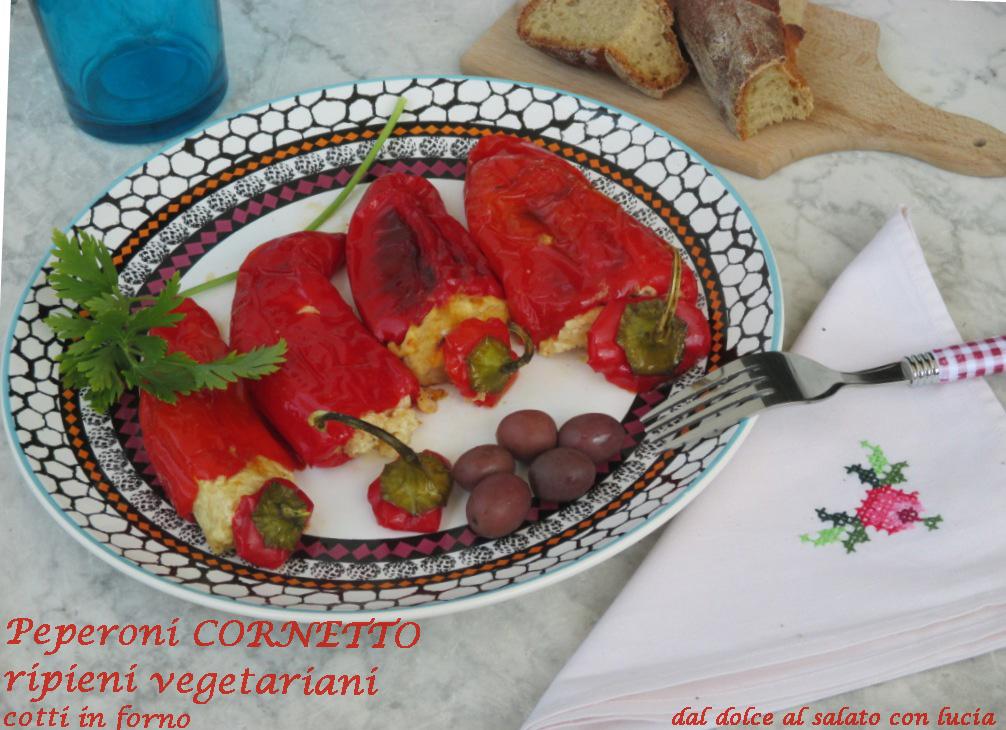 Peperoni imbottiti vegetariani, cotti al forno