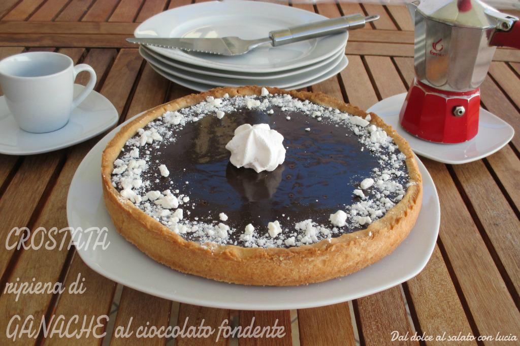 Crostata ripiena di ganache al cioccolato