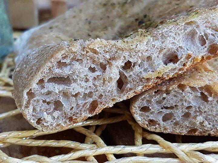 Focaccia con 100% farina tipo 2 e lievito madre