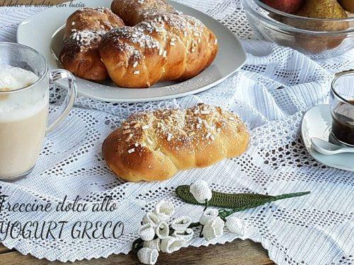 Treccine dolci allo yogurt greco