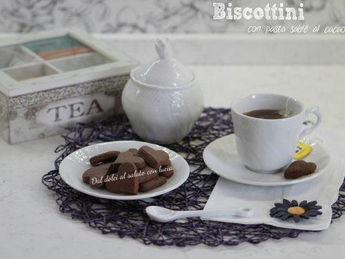 Biscottini con pasta sablé al cacao