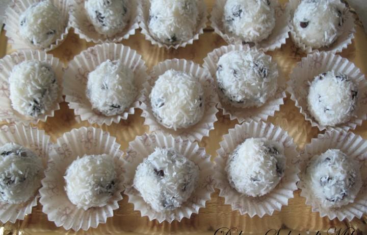 Dolcetti al Cocco con Gocce di Cioccolato