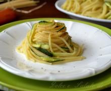 Spaghetti con zucchine e bottarga