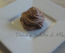 Panna con Nutella per farcire e guarnire torte