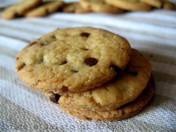 Biscotti con le gocce di cioccolato