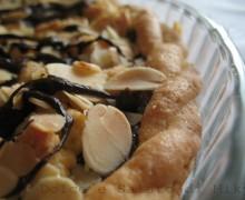 Crostata con mandorle e nutella
