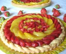 Crostata con frutta fresca e marmellata