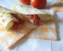 Piadine pomodoro e mozzarella