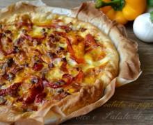 Torta salata di cipolle e peperoni