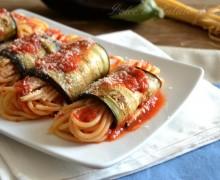 Involtini di melanzane con spaghetti