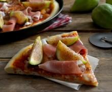 Pizza con prosciutto e fichi