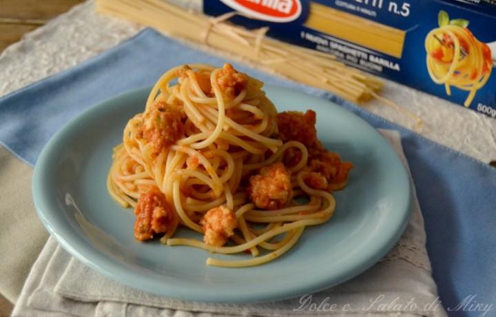 Spaghetti con polpettine di pesce