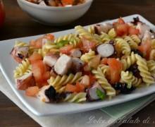 Pasta fredda con polpo e pomodori