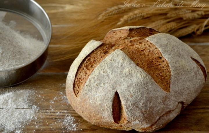 Pane integrale con patate arrosto e birra scura