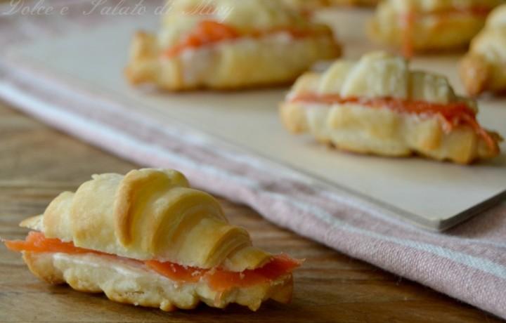 Croissant di sfoglia al salmone