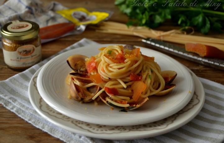 Spaghetti con vongole e bottarga