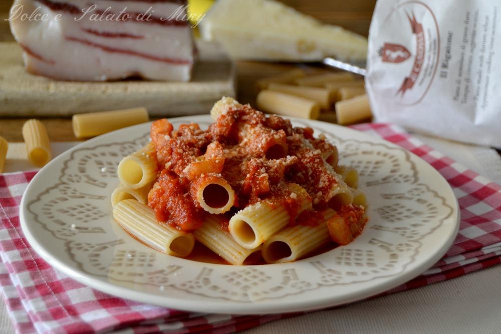 Rigatoni all 39 amatriciana primo piatto for Piatto tipico romano