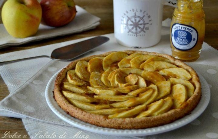 Crostata integrale con mele e confit di pesche e zenzero