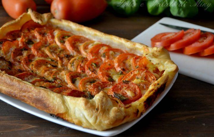 Torta salata con pomodori e mozzarella