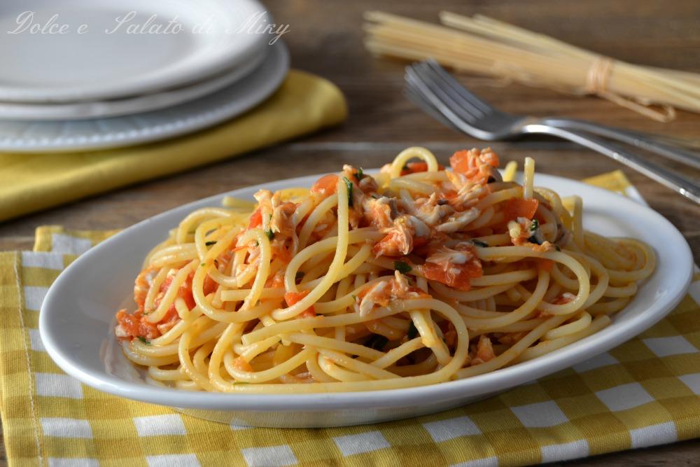 Spaghetti con orata e pomodorini