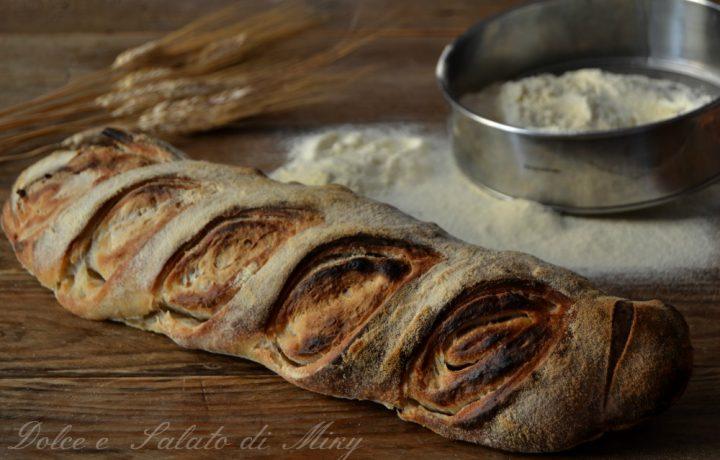 Filoncino di pane sfogliato