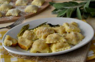 Ravioli di zucca e gorgonzola