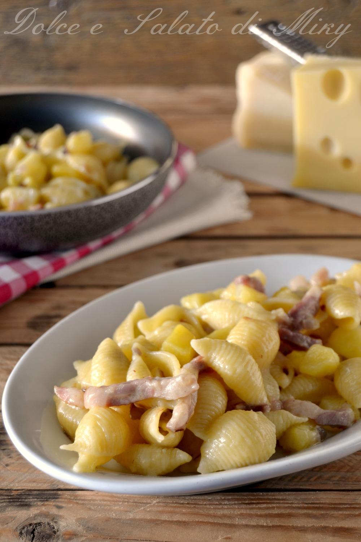 Pasta con patate e pancetta