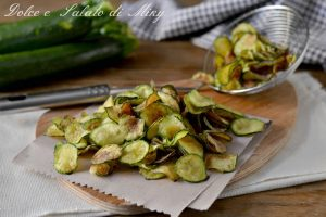 Chips di zucchine infarinate