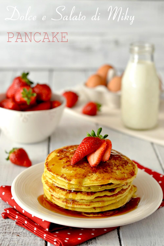 Pancake con le Fragole e Sciroppo D'acero