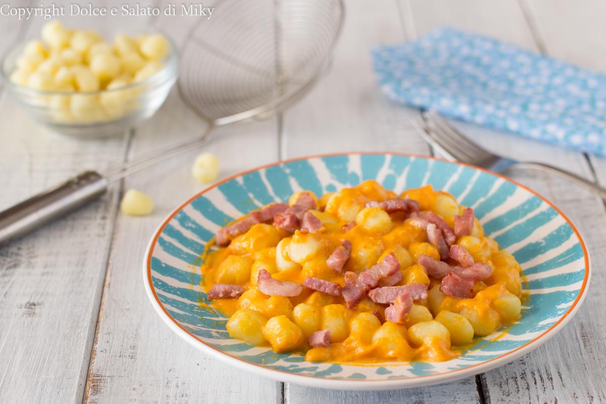 Ricetta Gnocchi Zucca E Pancetta.Gnocchi Con Crema Di Zucca E Pancetta Cremosissimi