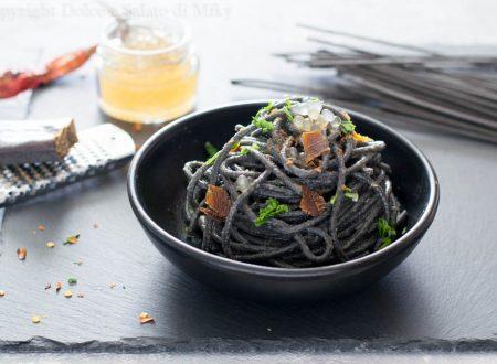 Spaghetti con bottarga e perle di balsamico