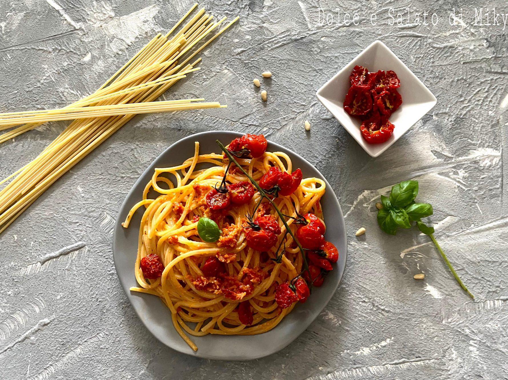 Spaghetti con pesto di pomodorini confit